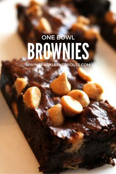 One bowl brownies that are super rich, fudgy and EASY!!  Trust me these are a must make! . #brownies #onebowl #easy #peanutbutter #recipe #sparklesnsprouts