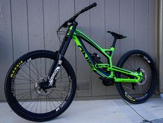 There are many different kinds and styles of mtb that you have to pick from, one of the most popular being the folding mountain bike. The folding mtb is extremely popular for a number of different … Mountain Biking, Moutain Bike, Hardtail Mountain Bike, Bmx Bicycle, Mtb Bike, Bike Trails, Cycling Bikes, Velo Dh, Folding Mountain Bike