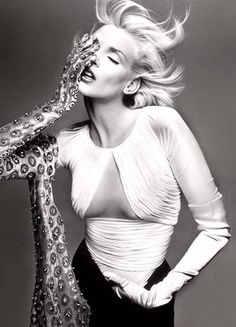 Nadja Auermann for Versace S/S 1995. Photographers: Richard Avedon and Steven…