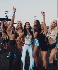 Festival season is upon us! Check out our favorite festival looks whether you're headed out or staying in. These festival looks are ama. Coachella Festival, Coachella 2018, Music Festival Outfits, Music Festival Fashion, Rave Festival, Festival Wear, Coachella Style, Festival Clothing, Music Festivals
