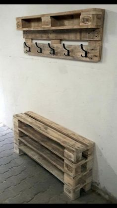 Garage organizer for shoes / outdoor coats etc / mudroom idea -. - Garage organizer for shoes / outdoor coats etc / mudroom idea ideas – Easter decora - Diy Storage Bench, Pallet Storage, Diy Bench, Pallet Mudroom Ideas, Shoe Rack Pallet, Pallet Ideas, Storage Shelves, Diy Pallet Furniture, Diy Pallet Projects