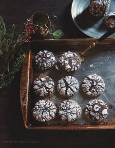 The Very Instant That I Saw You theveryinstantthatisawyou: dark chocolate + ginger molasses crackle cookies Cookie Desserts, Just Desserts, Cookie Recipes, Baking Recipes, Dessert Recipes, Christmas Baking, Christmas Treats, Food Styling, Cracked Cookies