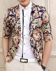 New *Handsome Upscale Floral Blazer styles are offered here. Luxury and casual *Handsome Upscale Floral Blazer by PILAEO. Blazer Outfits Men, Mens Fashion Blazer, Suit Fashion, Mens Floral Blazer, Men Blazer, Luxury Fashion, Moda Men, Wedding Dress Men, Designer Suits For Men