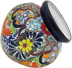These delightful Talavera Planters embody all the charm of Mexican Talavera. Featuring intricate floral patterns and classic, multi-colored designs, these striking Talavera Planters will beautify any home or garden. Mexican Home Decor, Mexican Art, Mexican Crafts, Talavera Pottery, Ceramic Pottery, Painted Pots, Hand Painted, Mexican Designs, Ceramic Planters