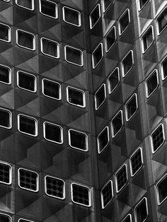 Alcoa Building, Pittsburgh, PA by Harrison & Abramovitz (1953)