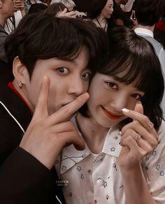 Blackpink Photos, Cute Photos, Kpop Couples, Cute Couples, 17 Kpop, Bts Clothing, Lisa Blackpink Wallpaper, Bts Beautiful, Ulzzang Couple