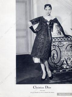 1958 - Yves Saint Laurent for Christian Dior 'petit diner' dress Vintage Glam, Mode Vintage, Vintage Fashion, Yves Saint Laurent, Raf Simmons, Christian Dior Vintage, Fashion History, Fashion Photo, Body