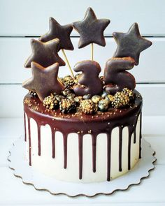 Ideas birthday cake for men easy Birthday Cake For Men Easy, Birthday Cakes For Men, Cake Birthday, Cupcakes, Cake Cookies, Cupcake Cakes, Bolo Russo, Pastry Art, Breakfast Cake