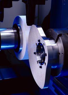 EMAG SK 204: Grinding a radial cam