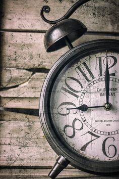 Guarda questo articolo nel mio negozio Etsy https://www.etsy.com/it/listing/484378183/clock-photographyold-clockvintage