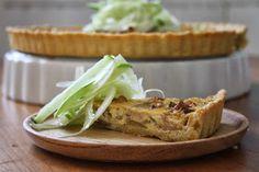 Amapola, el mundo en un plato: Quiche de setas y cebolla caramelizada con ensalada de hinojo y manzana