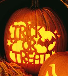 Carved Trick-or-Treat Stencil - #Pumpkin #Carving #Halloween #DIY Holiday Crafts