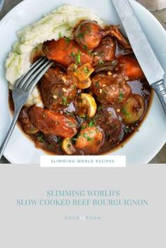 Slimming World& beef Bourguignon is a delicious slow-cooked stew, perfect for cool nights when you need comfort food! Slimming World Dinners, Slimming World Recipes Syn Free, Slimming Eats, Slimming World Stew, Slimming World Beef Stroganoff, Slimming World Lunch Ideas, Slimming Workd, Slow Cooker Slimming World, Julia Childs
