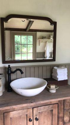 pics of primitive bathrooms Primitive Bathrooms, Primitive Homes, Country Primitive, Vintage Bathrooms, Primitive Decor, Cottage Bath, Global Home, Home Decor Inspiration, Home Remodeling