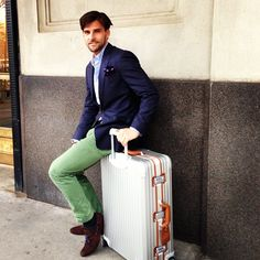 Johannes Huebl's Instagram | http://getthelookoliviapalermo.blogspot.com.es