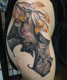 There are hundreds tattoo designs available these days, and bat tattoo seems to be the most durable design ever where … Leg Tattoos, Body Art Tattoos, Sleeve Tattoos, Cool Tattoos, Sternum Tattoos, Gotik Tattoo, Spooky Tattoos, Image Originale, Fox Tattoo