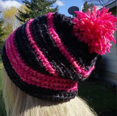 Check out this item in my Etsy shop https://www.etsy.com/listing/290196055/slouchy-hat-pink-coral-black-beanie