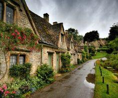 English row cottages, Bibury, Cotswolds