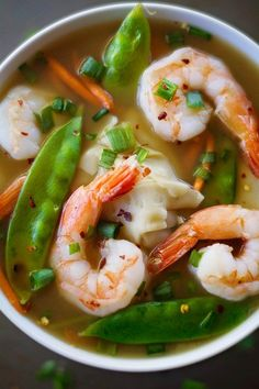 A comforting and delicious recipe for shrimp wonton soup thats not only easy, but healthy and filling with only 110 calories for a huge serving! Are you hungry yet? Specifically, are you hungry for a healthy and comforting soup thats filled to the brim Shrimp Wonton, Shrimp Soup, Siracha Shrimp, Cooked Shrimp, Shrimp Tacos, Asian Recipes, Healthy Recipes, Healthy Soups, Healthy Cooking