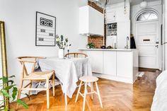 Beautiful Scandinavian Apartment Design, for a simple lifestyle Studio Apartment Decorating, Diy Apartment Decor, Apartment Interior, Apartment Design, Studio Decor, Deco Studio, Studio Apartments, Small Apartments, Ux Design