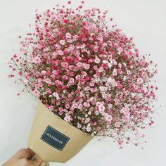 핑크안개꽃 여기서 비닐포장으로 마무리~ 꼭 파마머리같당 ♡.♡…