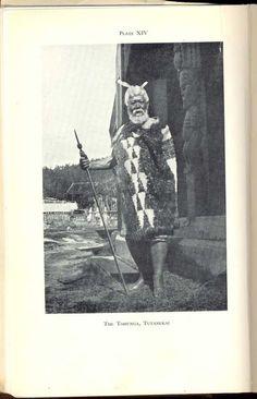 Tohunga Maori People, Tribal People, Polynesian People, West Papua, Maori Designs, New Zealand Houses, Maori Art, Kiwiana, African History
