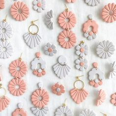 Diy Earrings Polymer Clay, Cute Polymer Clay, Polymer Clay Projects, Handmade Polymer Clay, Biscuit, Diy Jewelry Projects, Clay Design, Craft Stick Crafts, How To Make Earrings