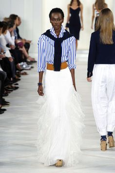 Pin for Later: The 9 Biggest Trends From New York Fashion Week Ralph Lauren Spring 2016 Urban Fashion, Look Fashion, Fashion Show, Fashion Outfits, Fashion Weeks, Street Fashion, Mode Pro, Ralph Lauren Looks, Estilo Preppy