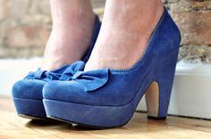 love the fluid platform heel & little bow!