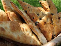 egycsipet: Zöldfűszeres és olívabogyós háromszögek