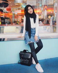 Shirin Al Athrus Hijab Fashion Style Modern Hijab Fashion, Street Hijab Fashion, Hijab Fashion Inspiration, Muslim Fashion, Trendy Fashion, Fashion Outfits, Fashion Clothes, Fashion Models, Woman Inspiration