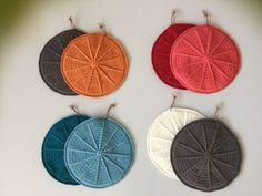 Diy Crochet And Knitting, Crochet Baby, Knitting For Charity, Crochet Circles, Crochet Potholders, Crochet Home Decor, Textiles, Crochet Accessories, Crochet Projects