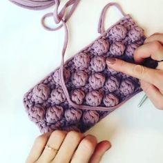 easy crochet tutorial Knitting For BeginnersKnitting FashionCrochet ProjectsCrochet Baby Crochet Shawl, Crochet Baby, Free Crochet, Knit Crochet, Crochet Stitches Patterns, Knitting Patterns, Crochet Tutorial, Crochet Simple, Double Crochet