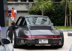 That's my neighbor drooling....Porsche 964 #porsche