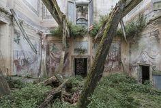 Niesamowite zdjęcia ruin europejskich pałaców