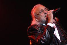 G.H.: Cantor grego Demis Roussos more aos 68 anos