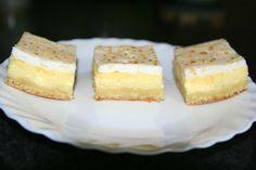 Prajitura cu branza de vaci si bezea | MiremircMiremirc Something Sweet, Cornbread, Vanilla Cake, Feta, Cheesecake, Deserts, Cooking, Ethnic Recipes, Bar