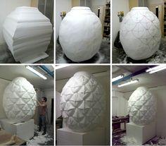 Work in Progress / Réalisation de sculptures d'objets géants en polystyrène pour le Printemps Haussmann.