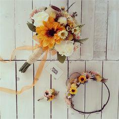 Sun Gelin Çiçeği (Buketi) Seti | Beyaz Buket Ayçiçeği ve limonun güllerle ve papatyalarla buluştuğu tasarım. Güneşin kızı olmaya hazır olun.