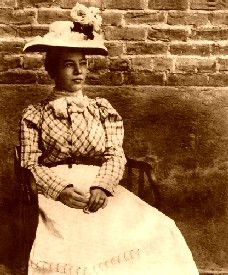 Pearl Hart, the only female stagecoach robber in the Old West.