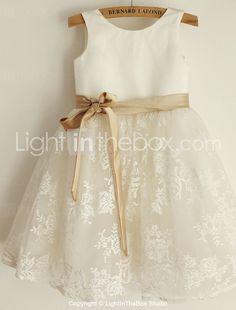 Princess Knee-length Flower Girl Dress - Lace / Satin Sleeveless Scoop with 2016 - €58.79
