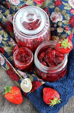 http://www.polskathebest.pl/kuchnia/konfitura-truskawkowa-z-wanilia/
