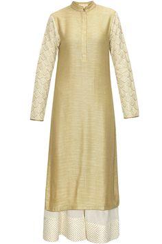 Gold leaf phulkari threadwork kurta with cream pants by Vikram Phadnis. Shop now: http://www.perniaspopupshop.com/designers/vikram-phadnis #kurta #palazzo #shopnow #vikramphadnis #perniaspopupshop