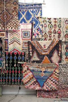 Discover the history behind one of today's hottest design trends: Boucherouite Rugs From The Berber Tribes Of Morocco: Design Geek: Morocco's Modern Boucherouite Rugs Morrocan Rug, Moroccan Decor, Moroccan Style, Berber Carpet, Berber Rug, Textiles, Boho Decor, Bohemian Rug, Tapis Design