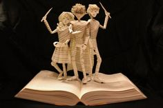 Harry Potter book sculpture by Jodi Harvey-Brown - paper sculpture Up Book, Book Art, Storybook Characters, Cool Books, Harry Potter Love, Inspirational Books, Altered Books, Altered Art, Art Plastique