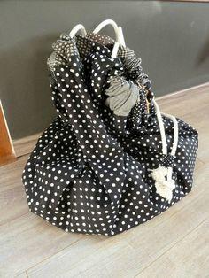 tapis de jeu nomade sac jouets tutoriel couture pinterest. Black Bedroom Furniture Sets. Home Design Ideas