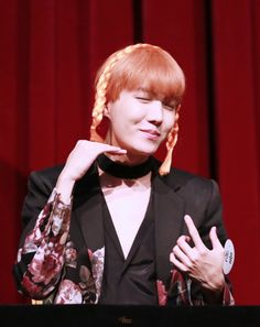 J-Hope ❤ BTS at the Synnara Fansign #BTS #방탄소년단