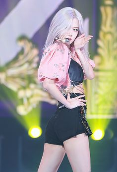 Stage Outfits, Kpop Outfits, Kpop Girl Groups, Kpop Girls, Foto Rose, Queens, Lisa, Mode Kpop, Applis Photo