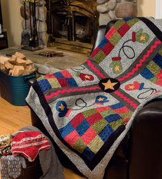 Here Comes Winter - Quilted Projects to Warm Your Home By Jeanne Large, Shelley Wicks
