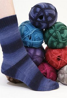 Knitting Patterns Galore - Toe-Up Plain Socks For The Family in Fingering Weight Yarn